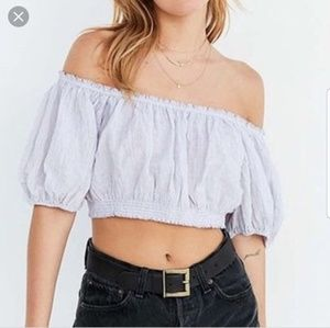 Kimchi blue Off rhe shoulder crop top